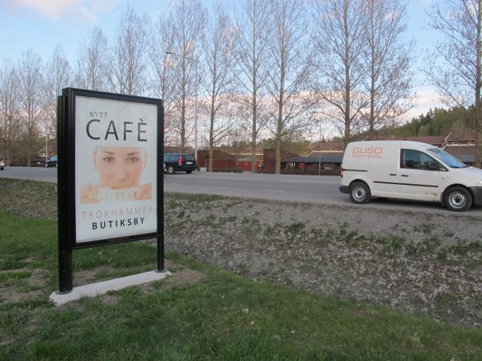 GUSO har en serie med reklamskyltar i eurosizeformat på Ekerö