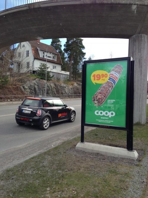 Coop Skeppet Lidingö utomhusreklam hos GUSO reklamtavla på Lejonvägen vid Lidingö Centrum