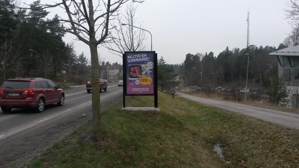 Guso reklamskylt Centralvägen Täby annonsör Coop Forum Arninge
