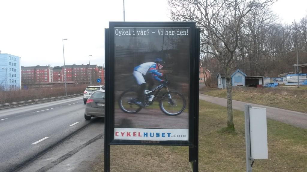 Dragonvägen Upplands Väsby reklamskylt annonsör Cykelhuset