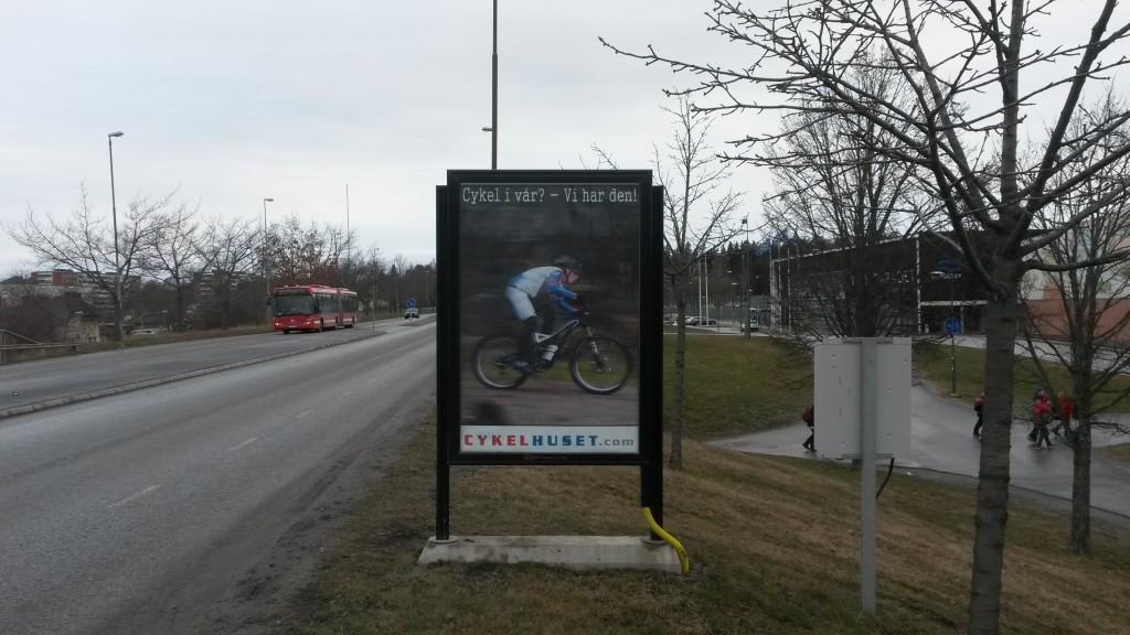 GUSO reklamskylt Husarvägen Upplands Väsby annonsör Cykelhuset Upplands Väsby
