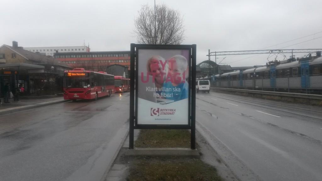 Botkyrka Stadsnät Tumba centrum - GUSO reklamskylt Botkyrka