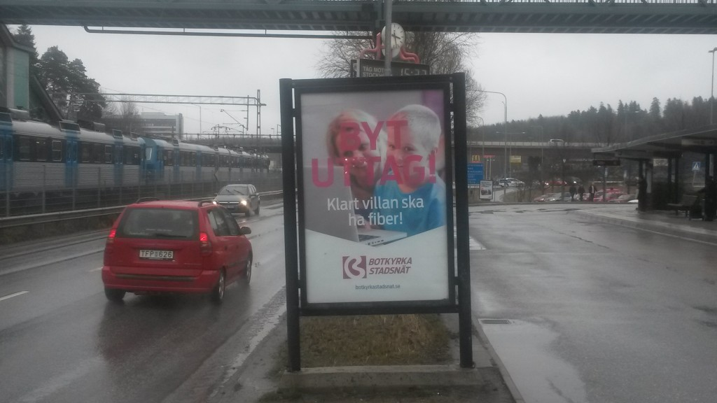 Botkyrka Stadsnät Tumba centrum - GUSO reklamtavla Botkyrka