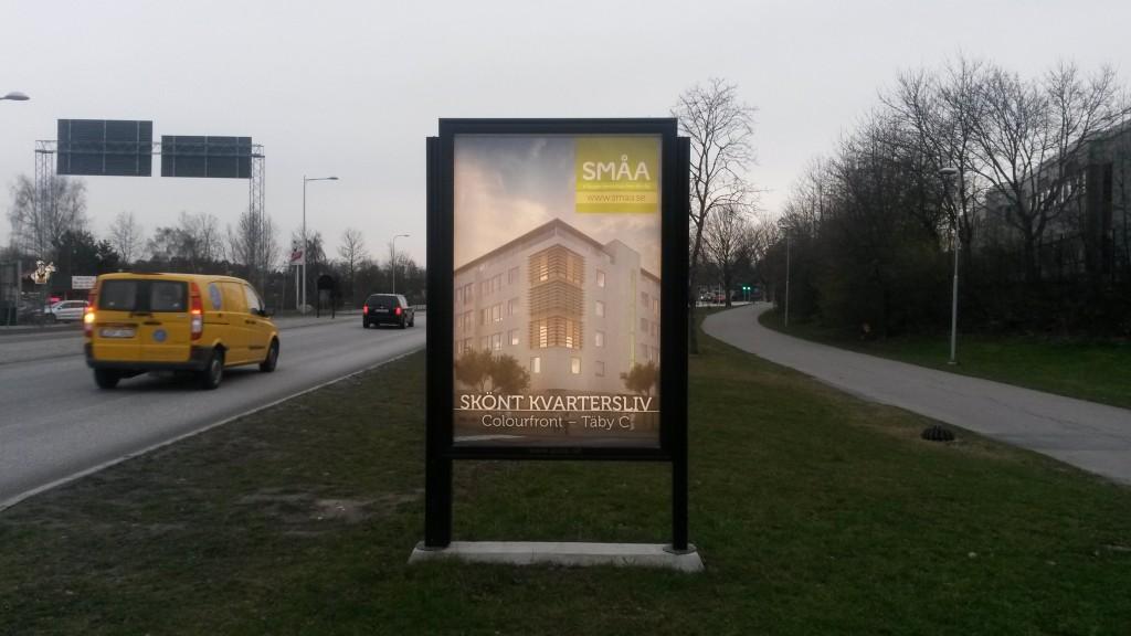 Guso reklamskylt Marknadsvägen Täby annonsör SMÅA