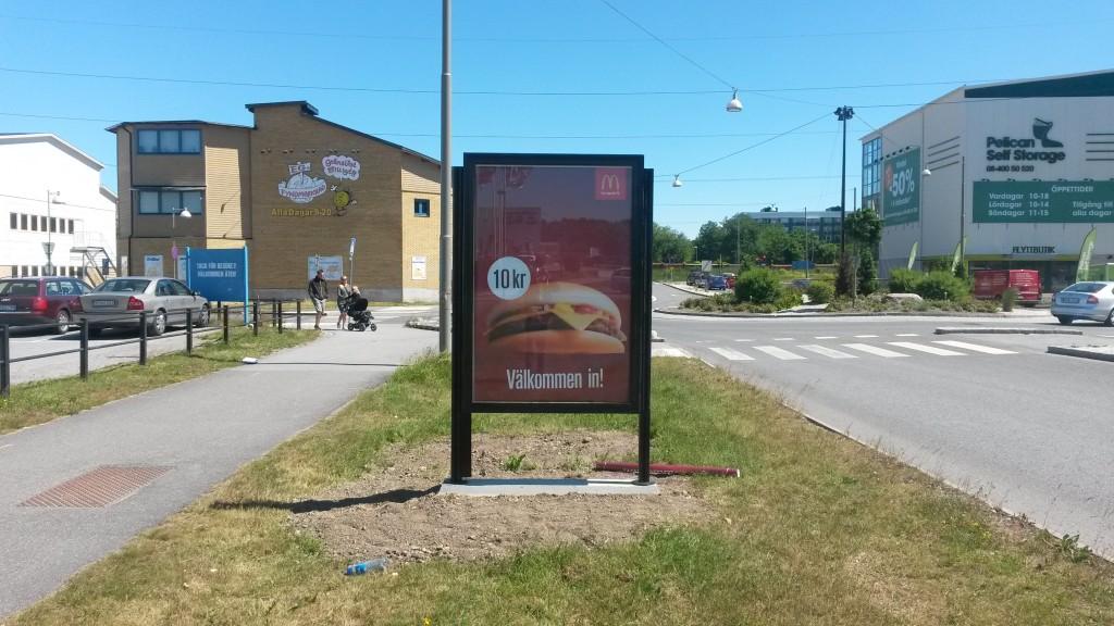 GUSO ny reklamskylt Botkyrka handelsplats annonsör McDonalds