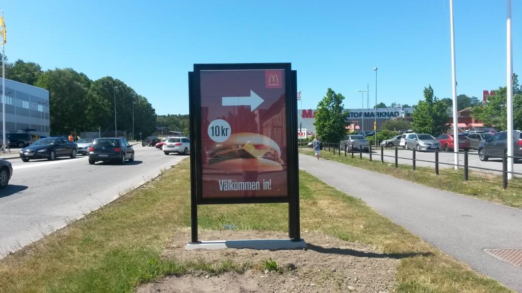 GUSO ny reklamskylt Botkyrka handelsplats annonsör McDonalds adshels