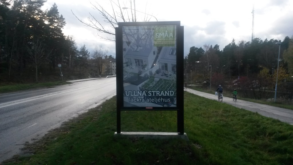 Småa ateljehus Ullna strand Täby -  GUSO Närmedia reklamtavlor Näsby park